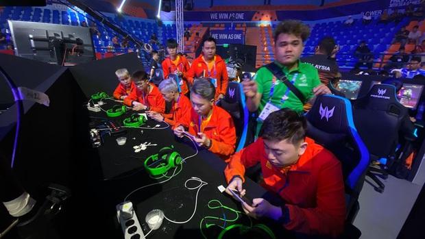 SEA Games 30: Đội tuyển Liên Quân Mobile Việt Nam xếp nhì bảng A, bước tiếp vào vòng play-off! - Ảnh 1.