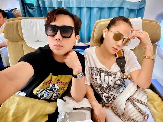Chỉ đi tổng duyệt HHHV, Thu Minh cũng chiếm hết spotlight với chiếc túi Dior bạch tạng tiền tạ tiền tấn - Ảnh 1.