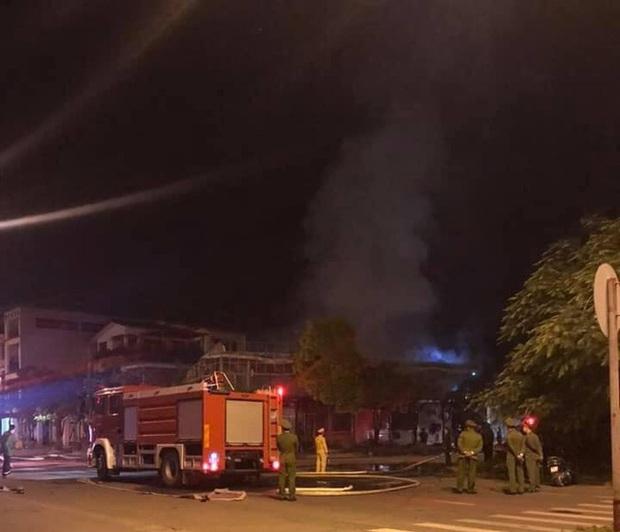 Lời kể nhân chứng vụ cháy nhà hàng khiến 4 người tử vong ở Vĩnh Phúc - Ảnh 1.