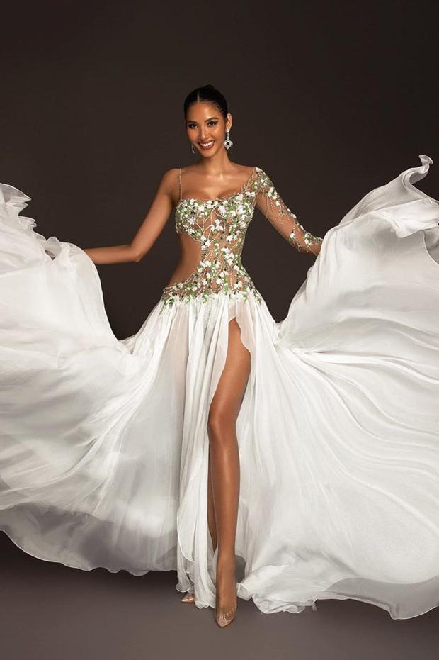 Hoàng Thùy mặc váy hoa giọt tuyết của Công Trí, diễn cuối nhưng đầy ấn tượng tại Bán kết Miss Universe 2019 - Ảnh 7.