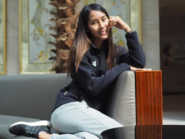 Info cầu thủ nữ Thái Lan kiến tạo cho Việt Nam ghi bàn: Đá bóng hay, sở hữu gia thế khủng và quan trọng là có thân hình chẳng kém gì người mẫu - Ảnh 7.