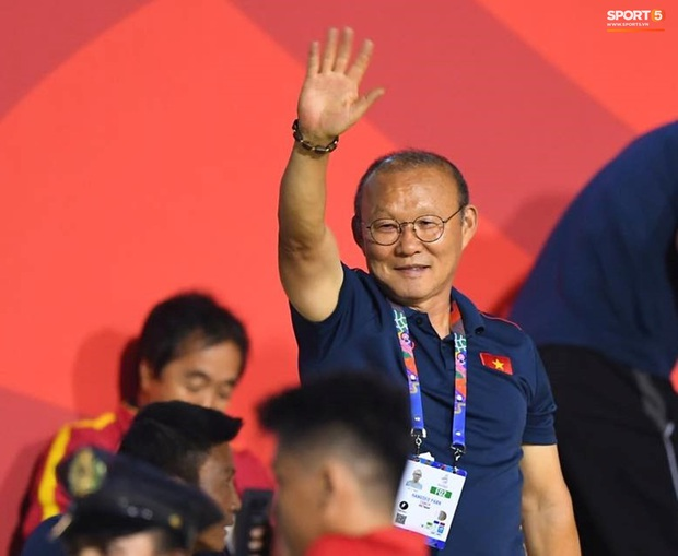 Người hùng Đỗ Hùng Dũng: Thầy Park là người đầu tiên báo tôi đi SEA Games, dù mới có con trai nhưng tôi không thể từ chối - Ảnh 3.