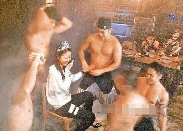 Lâm Tâm Như: Nổi loạn ngỗ ngược từ thuở 17, tính cách trái ngược với hình ảnh ngọt ngào và cuộc hôn nhân đầy thị phi - Ảnh 9.