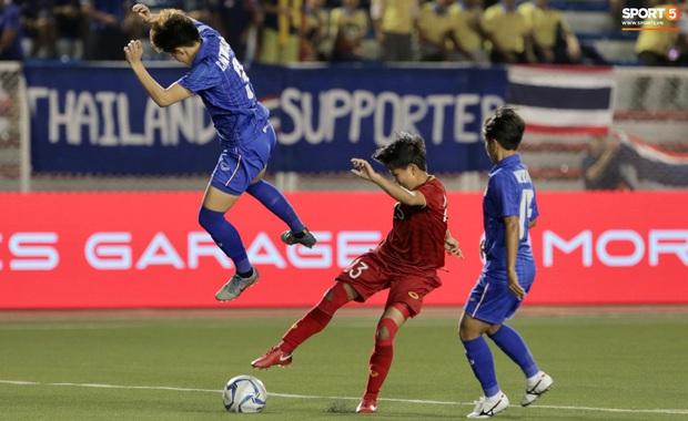 Tuyển nữ Việt Nam ăn mừng lần thứ 6 vô địch SEA Games, sau khi đánh bại Thái Lan nghẹt thở 1-0 - Ảnh 9.