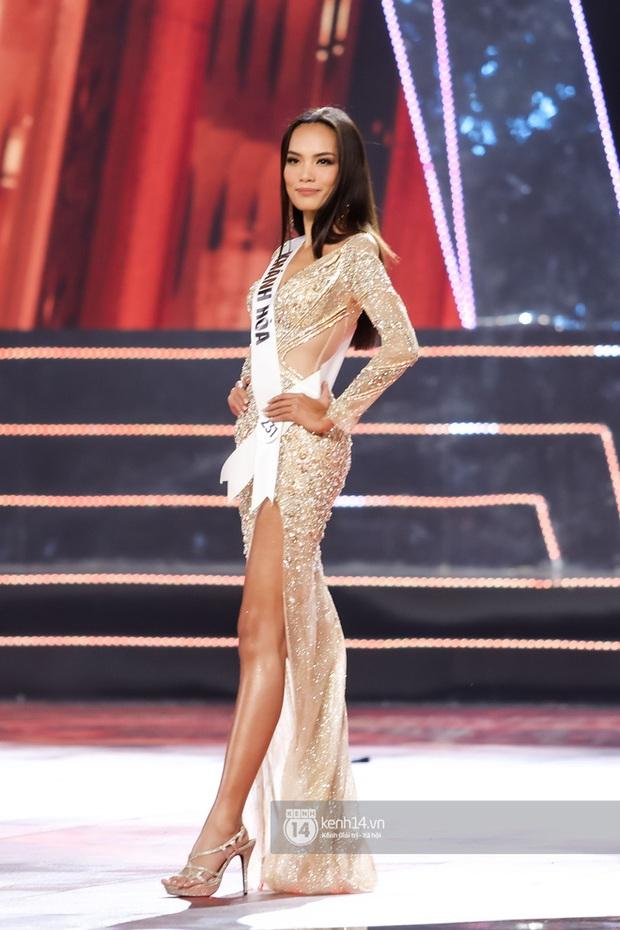 Cứ ngỡ Hoa hậu Hoàn vũ VN là cuộc chiến của Thúy Vân - Hương Ly - Hoàng Phương, ai dè trùm cuối gọi tên Khánh Vân! - Ảnh 10.