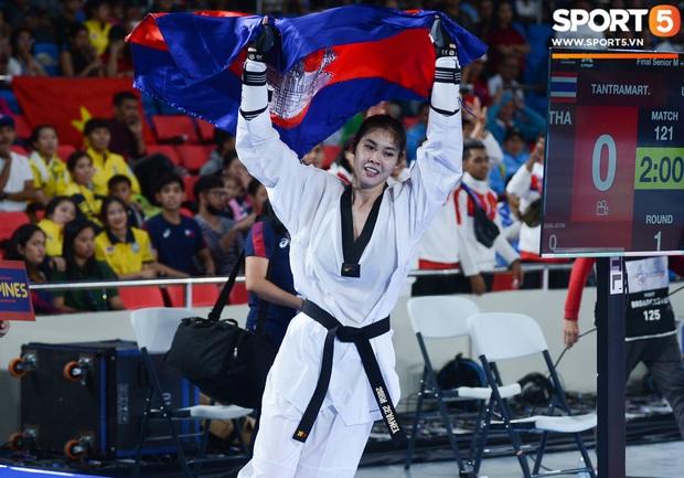 Lý lịch cực khủng của nữ biểu tượng thể thao Campuchia vừa giành HCV Taekwondo SEA Games 30: Cao 1m83, Facebook cá nhân hơn 1,7 triệu follow, từng lập thành tích vô tiền khoáng hậu trong lịch sử thể thao nước nhà - Ảnh 5.