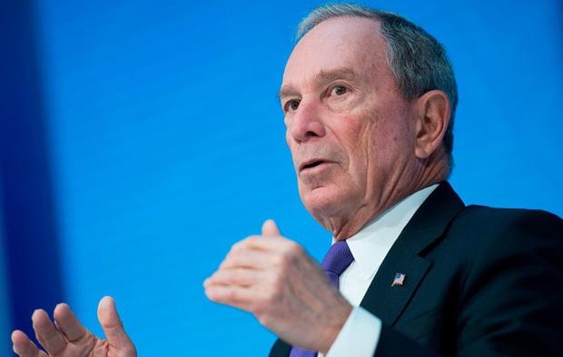 Tỷ phú Michael Bloomberg giàu gấp 17 lần Donald Trump tiết lộ bí quyết thành công: Hãy biết bỏ việc nói từ Tôi và thay bằng từ Chúng tôi - Ảnh 1.