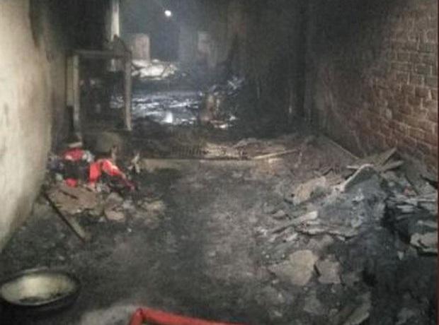 Hỏa hoạn kinh hoàng tại Ấn Độ, ít nhất 32 người thiệt mạng - Ảnh 1.