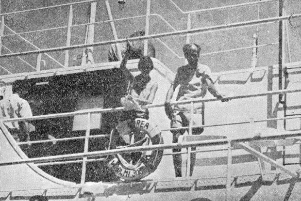Bị đắm tàu và phải lênh đênh giữa đại dương 117 ngày, cặp đôi sống sót thần kì nhờ làm bạn với các sinh vật biển - Ảnh 3.