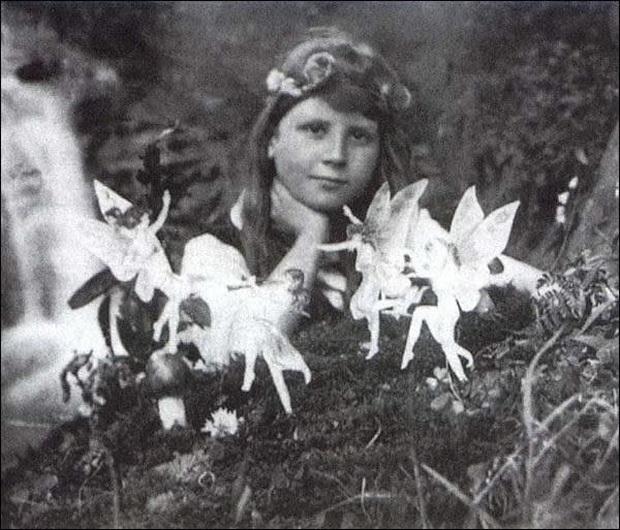 8 bức ảnh cực nổi tiếng trước thời có Photoshop, ai cũng nghĩ là thật nhưng hóa ra lại là cú lừa đỉnh cao - Ảnh 1.