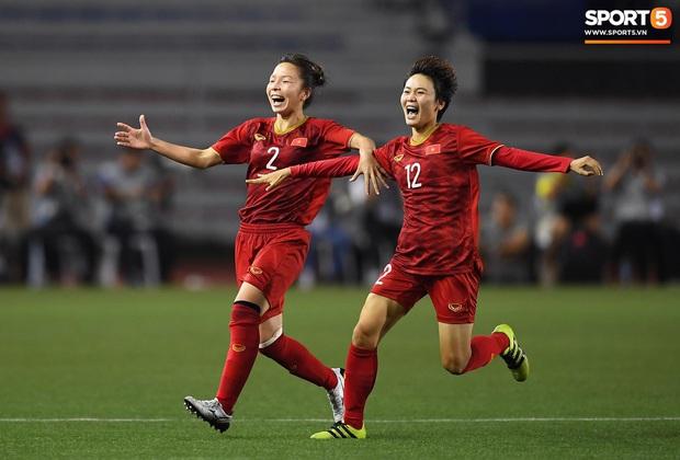 Tuyển thủ nữ Việt Nam ngất xỉu, phải đi cấp cứu sau trận chung kết với Thái Lan tại SEA Games 30 - Ảnh 2.
