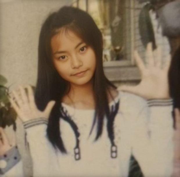 Nhìn lại 1 thập kỷ, 10 em út Kpop năm nào đã dậy thì ngoạn mục: Taemin - Umji lột xác, Lisa, Jungkook ngày càng sexy - Ảnh 16.
