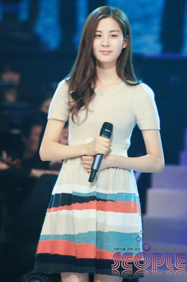 Nhìn lại 1 thập kỷ, 10 em út Kpop năm nào đã dậy thì ngoạn mục: Taemin - Umji lột xác, Lisa, Jungkook ngày càng sexy - Ảnh 1.