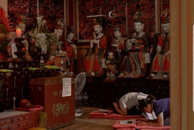 Bộ ảnh đầy ma mị tại 3 ngôi đền chùa đẹp nhất Seoul, không ngờ giữa lòng thủ đô sầm uất lại có chốn an yên đến vậy! - Ảnh 10.