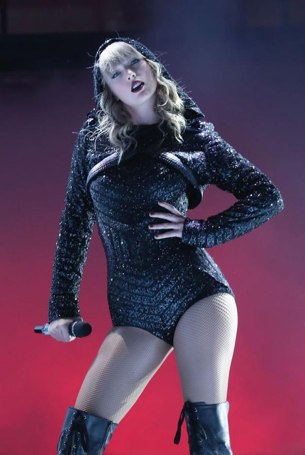 Chị rắn Taylor Swift lên cân trông thấy, cặp đùi tăng size nhưng vòng 1 khủng ngày nào đâu rồi? - Ảnh 8.