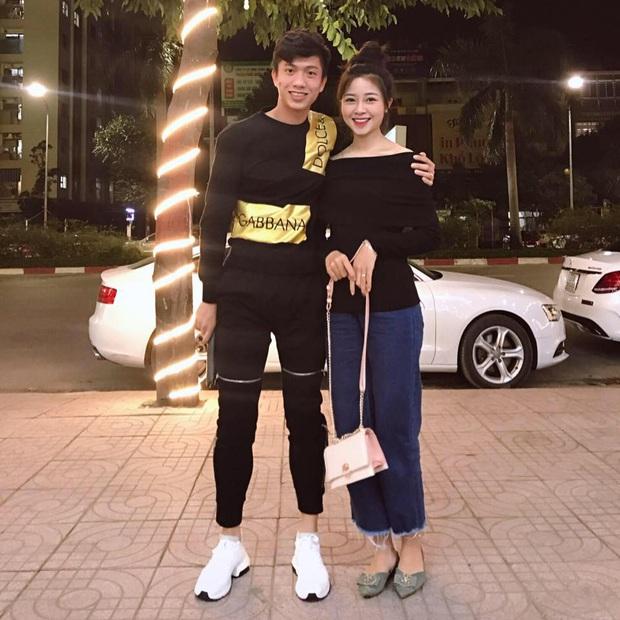 Hội cầu thủ hóng SEA Games từ xa: Người đưa bạn gái về ra mắt gia đình, người du lịch nước ngoài sắm đồ hiệu thả ga - Ảnh 7.