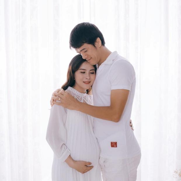Trợ lý đội U22 Việt Nam hạnh phúc khi con trai chào đời ngay trước thềm chung kết SEA Games 30 - Ảnh 8.
