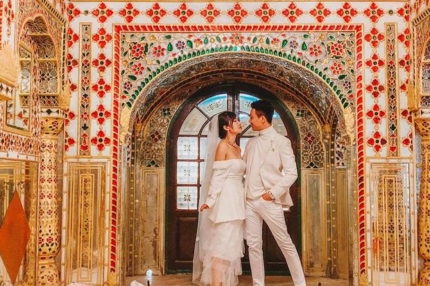 Vợ chồng đại gia Minh Nhựa lặn lội sang Ấn Độ chụp ảnh 8 năm ngày cưới nhưng lại bị đôi giày quá cỡ của Mina giật hết spotlight - Ảnh 5.