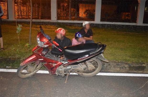 Dựng kịch bản bị cướp tài sản để gia đình cho mua xe máy - Ảnh 2.