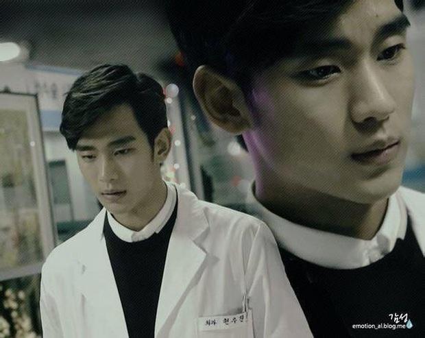 Chán làm trùm khách sạn ma Hotel Del Luna, Kim Soo Hyun đầu thai thành anh hộ lí điển trai ở phim mới đài tvN - Ảnh 5.