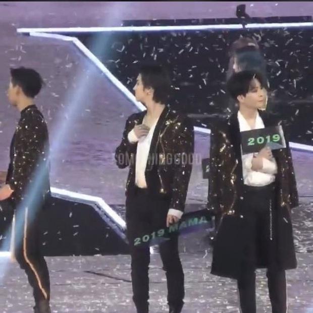 MAMA đúng là lễ trao giải đầy nghiệp: Hết bị G-Dragon, GOT 7 diss thẳng trên sân nhà đến Jin (BTS) mượn sân khấu để cà khịa chuyện khác - Ảnh 8.
