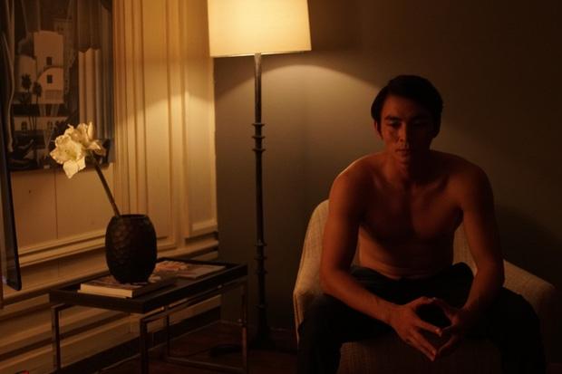 Thanh Hằng, Chi Pu, Lãnh Thanh đều nude 100% để mang đến những cảnh nóng khốc liệt trần trụi nhất cho Chị Chị Em Em - Ảnh 3.