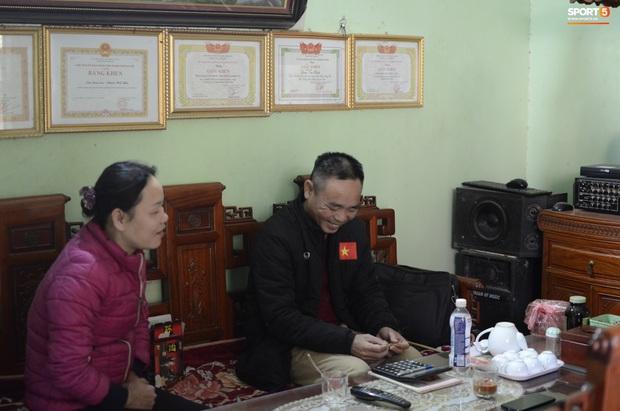 Về thăm nhà nữ cầu thủ ghi bàn giúp Việt Nam giành HCV SEA Games: Từng có ý định từ bỏ bóng đá, khiến bố mẹ lo sốt vó vì thi đấu quá quả cảm - Ảnh 4.