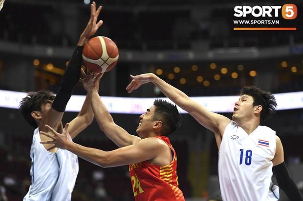 Tan giấc mộng vàng ở SEA Games 30, tuyển bóng rổ Việt Nam hướng tới tấm huy chương đồng thứ 2 - Ảnh 10.