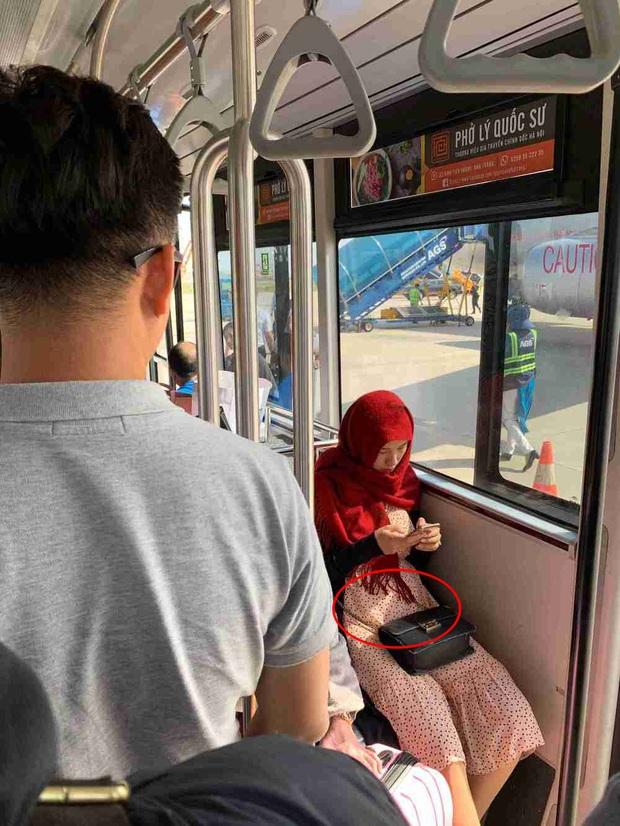 Sau tin đồn mang thai, MC Hoàng Oanh đã lộ vòng 2 lớn rõ lắm rồi trong hình ảnh đời thường - Ảnh 1.