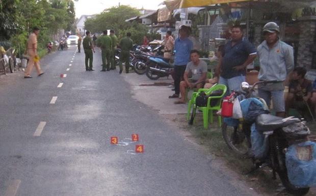 Bé trai 2 tuổi bị tông tử vong khi chạy ngang qua đường - Ảnh 1.