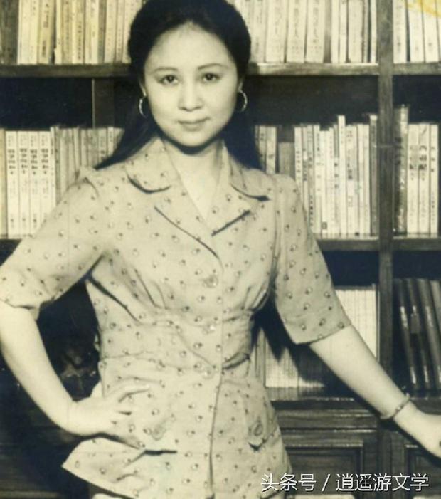 Chuyện đời trắc trở của nữ sĩ Quỳnh Dao: 3 đời chồng, chấp nhận làm tiểu tam giật chồng, tự tử vì bị cấm cưới vẫn không có hạnh phúc - Ảnh 2.