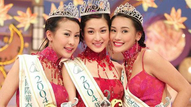 Chung Gia Hân: Hoa hậu trầm cảm tự la hét qua gương và cuộc tình quá đẹp chỉ sau 4 ngày gặp gỡ - Ảnh 1.