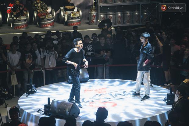 Điểm lại những pha bẻ lyric của các đấu thủ tại vòng Knock-out Beck'Stage Battle Rap: RichChoi, Đại Vũ, Linh Thộn ai bẻ lái gắt hơn? - Ảnh 6.