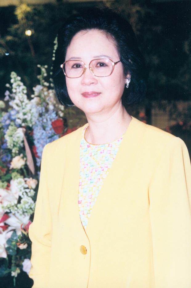Chuyện đời trắc trở của nữ sĩ Quỳnh Dao: 3 đời chồng, chấp nhận làm tiểu tam giật chồng, tự tử vì bị cấm cưới vẫn không có hạnh phúc - Ảnh 4.
