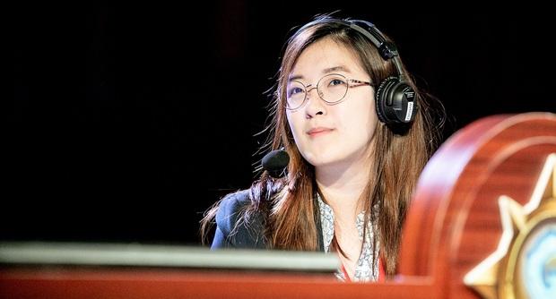 Ngắm vẻ đẹp hút hồn của Jia - Bóng hồng duy nhất tham gia thi đấu Esports tại SEA Games 30 - Ảnh 4.
