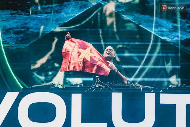 """Yamaha Ravolution Music Festival: DJ Don Diablo bất ngờ """"chill"""" nhạc Việt, raver hào hứng """"quẩy"""" tưng bừng - Ảnh 8."""