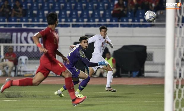 Chỉ vì 1 sai lầm, thủ thành đẹp trai của Indonesia bị báo chí nước nhà coi là vị trí yếu kém trước trận chung kết với Việt Nam - Ảnh 1.