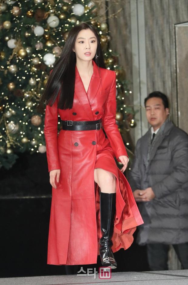 Sự kiện ngược đời: Nữ thần Son Ye Jin lu mờ trước nữ phụ cực sang chảnh, lộ khoảnh khắc cực tình với Hyun Bin - Ảnh 6.