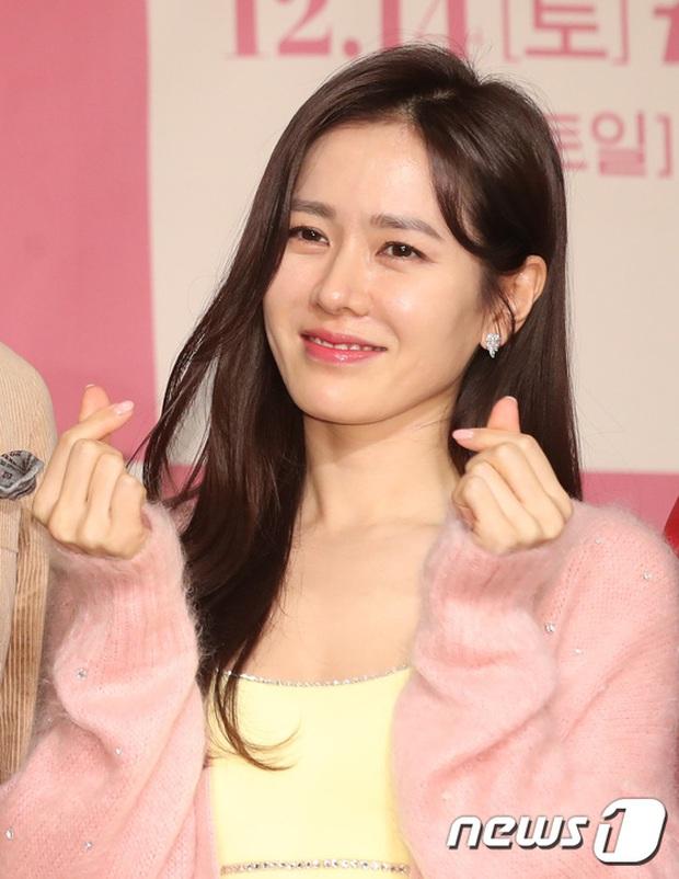 Sự kiện ngược đời: Nữ thần Son Ye Jin lu mờ trước nữ phụ cực sang chảnh, lộ khoảnh khắc cực tình với Hyun Bin - Ảnh 4.