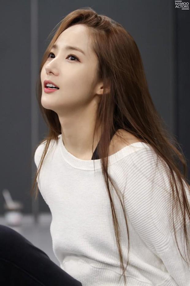 Tập nhảy thôi mà, Park Min Young có cần thiết phải xinh đẹp vậy không? - Ảnh 3.
