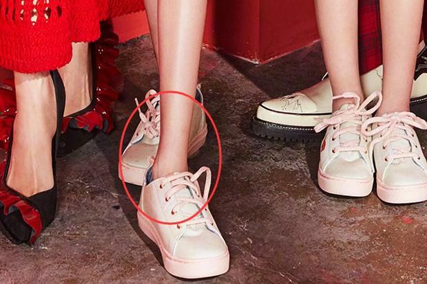 Bao Chửng Lục Nghị khoe ảnh Tết, netizen chỉ chú ý đến đôi chân gầy đến mức báo động của cô con gái - Ảnh 10.