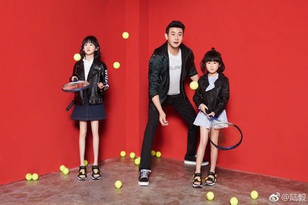 Bao Chửng Lục Nghị khoe ảnh Tết, netizen chỉ chú ý đến đôi chân gầy đến mức báo động của cô con gái - Ảnh 4.
