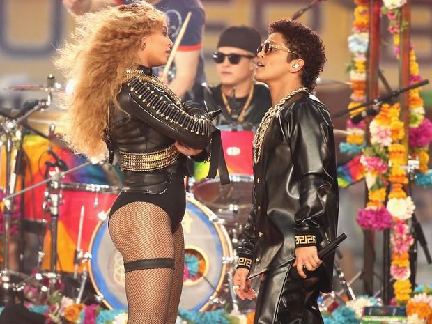 Liệu Super Bowl Maroon 5 sẽ về team hoành tráng của Katy - Gaga - Beyoncé hay rớt đài như Justin Timberlake? - Ảnh 8.