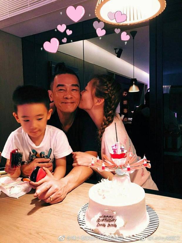 Cô vợ thứ sáu của Vi Tiểu Bảo lộ bụng bầu vượt mặt, mang thai lần 2 ở tuổi 36 - Ảnh 8.