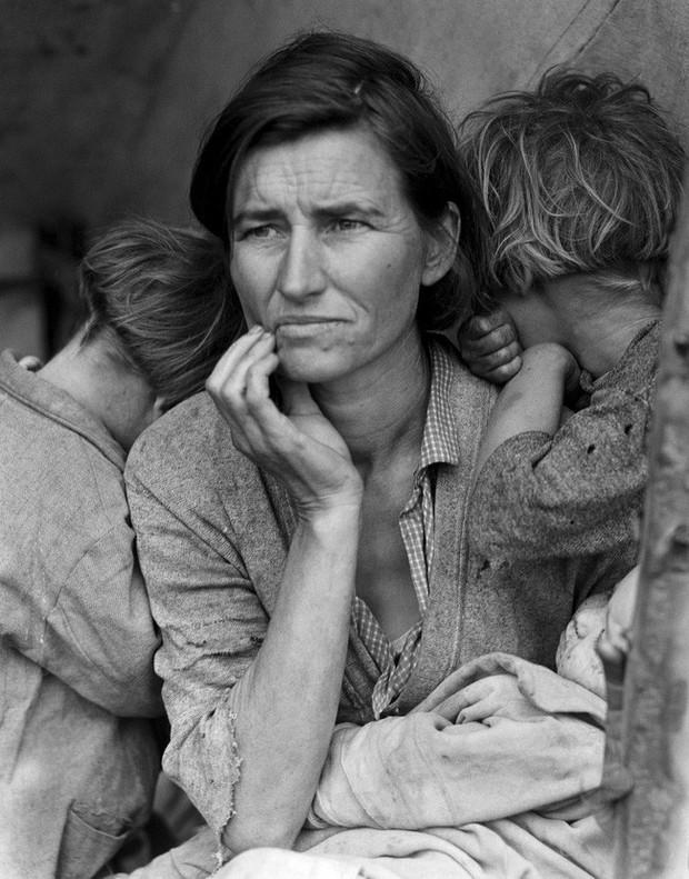 Người mẹ di cư: Câu chuyện xúc động và đầy ám ảnh đằng sau bức ảnh huyền thoại làm thay đổi cả thế giới - Ảnh 1.