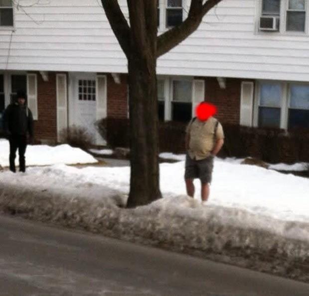 Những thanh niên Mỹ dũng cảm diện quần đùi trong cái lạnh âm 50 độ C - Ảnh 2.