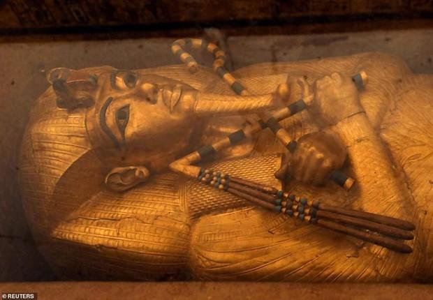 Bên trong hầm mộ bí ẩn của pharaoh nổi tiếng nhất vương triều Ai Cập - Ảnh 3.