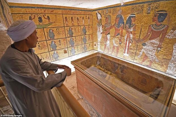 Bên trong hầm mộ bí ẩn của pharaoh nổi tiếng nhất vương triều Ai Cập - Ảnh 4.