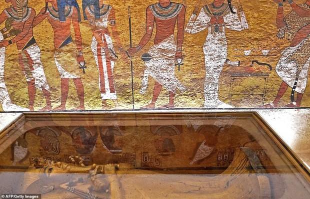 Bên trong hầm mộ bí ẩn của pharaoh nổi tiếng nhất vương triều Ai Cập - Ảnh 5.