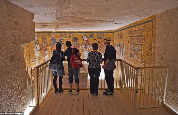 Bên trong hầm mộ bí ẩn của pharaoh nổi tiếng nhất vương triều Ai Cập - Ảnh 7.